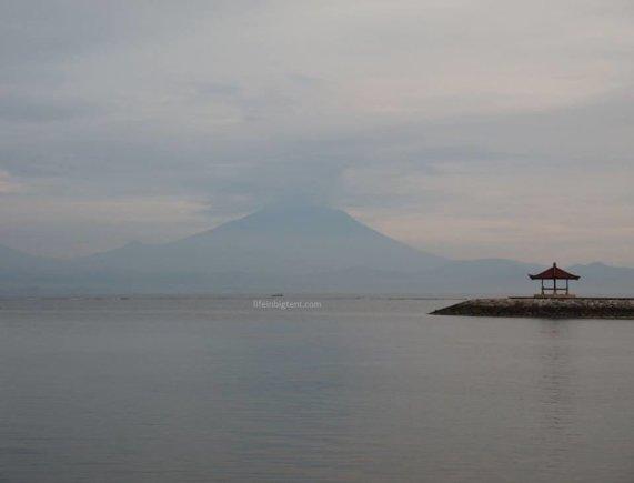 Viktorijos Panovaitės nuotr./Balyje suaktyvėjo Agungo ugnikalnis