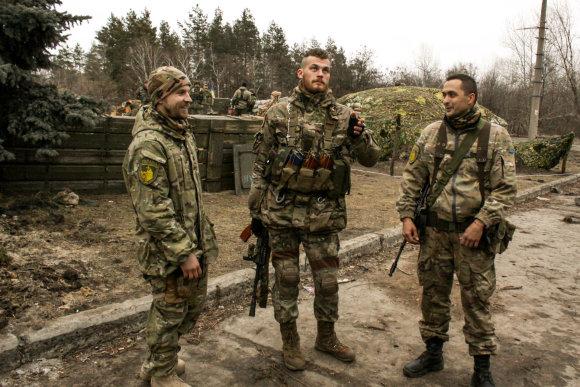 """D.Pancerovo nuotr./Sčastjės miestą gina batalionas """"Auksiniai vartai"""""""