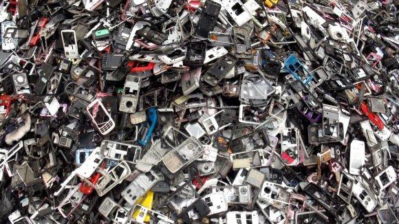 """Filmo """"Elektroninių atliekų istorija"""" stop kadras/Filmo """"Elektroninių atliekų istorija"""" stop kadras"""