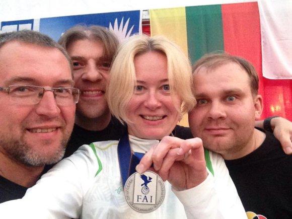 asmeninio archyvo nuotr./Daiva Rakauskaitė su komandos nariais