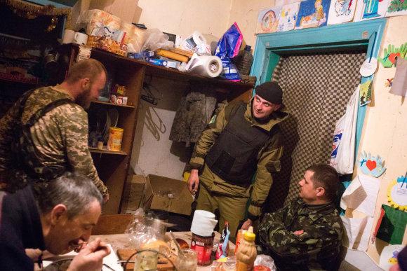 Vidmanto Balkūno/15min.lt nuotr./Marjinkos priešakinių pozicijų gynėjai savo virtuvėje