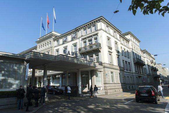 """AFP/""""Scanpix"""" nuotr./Viešbutis, kuriame sulaikyti FIFA pareigūnai"""