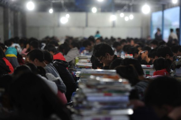 """AFP/""""Scanpix"""" nuotr./Pasiruošimas egzaminams"""