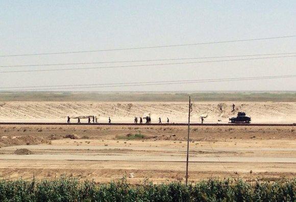 """""""Scanpix""""/AP nuotr./Irako kariuomenė traukiasi iš Ramadžio regiono"""