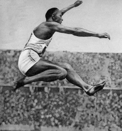 Vida Press nuotr./Jesse Owensas 1936 m. vasaros olimpinėse žaidynėse Berlyne