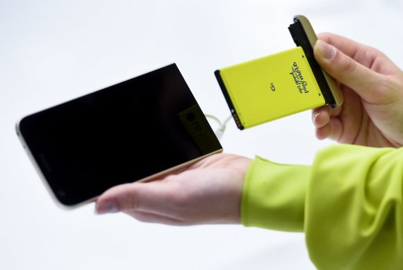 """AFP/""""Scanpix"""" nuotr./MWC – didžiausia pasaulyje mobiliųjų technologijų mugė"""