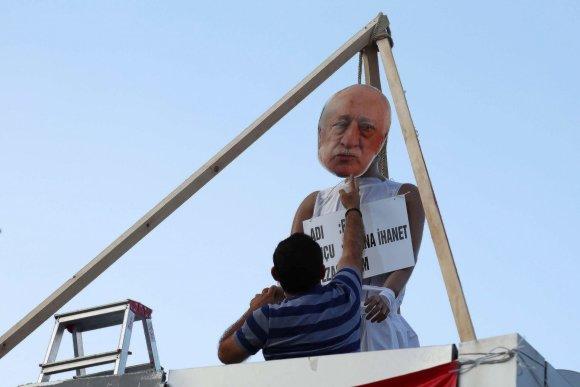 """""""Scanpix""""/AP nuotr./Demonstracija prieš Fethullah Guleną Turkijoje"""