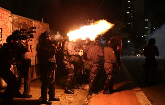 """Reuters""/""Scanpix"" nuotr./Protestai Brazilijoje"