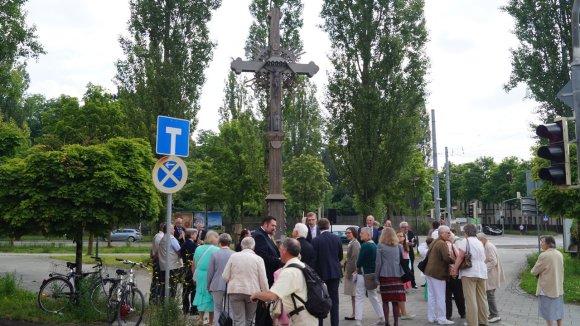URM nuotr./Restauruotas lietuvių pabėgėlių kryžius Augsburge