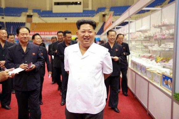 """AFP/""""Scanpix"""" nuotr./Šiaurės Korėjoje yra kuo pasidžiaugti jos lyderiui Kim Jong Unui"""