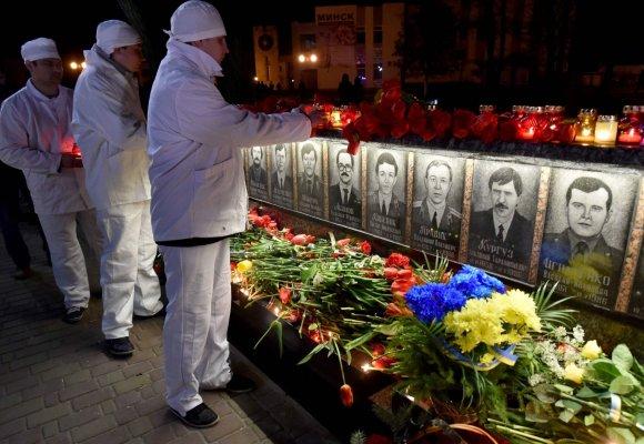 """AFP/""""Scanpix"""" nuotr./Ukraina mini 30-ąsias Černobylio katastrofos metines"""