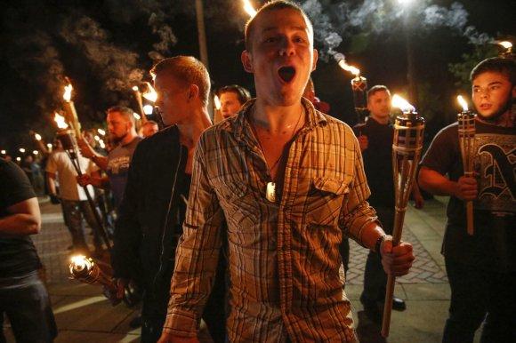 """""""Scanpix""""/AP nuotr./Kraštutinių dešiniųjų eitynės Šarlotsvilyje"""