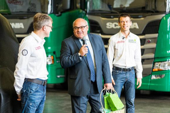 """""""Agrorodeo"""" komanda pristatė naują savo bolidą – """"Toyota Hillux"""""""