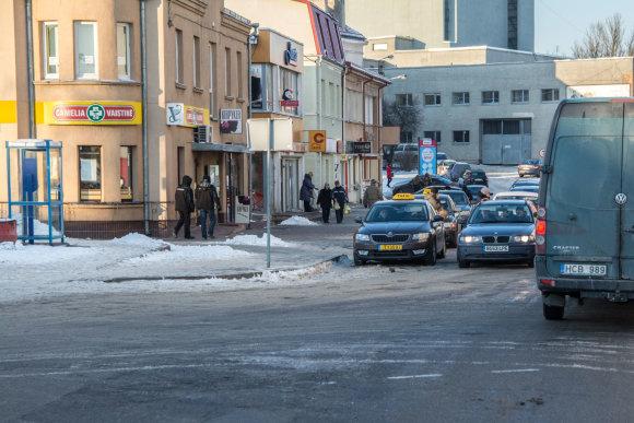 Tomas Šiaudinis/Panevėžio taksi prie autobusų stoties