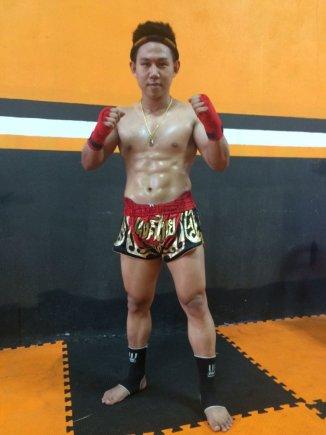 "Phongnaret Thongkham asmeninio albumo nuotr./Tailando Muaythai čempionas Phongnaret Thongkham (""Ga-sa-long"")"