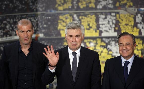 """""""Scanpix"""" nuotr./Zinedine'as Zidane'as, Carlo Ancelotti ir Florentino Perezas"""