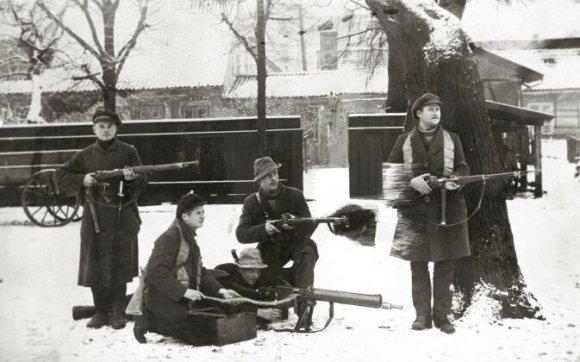 Centrinio valstybės archyvo nuotr./Klaipėdos krašto savanorių armijos kariai