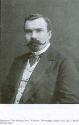 en.wikipedia.org /Martynas Yčas