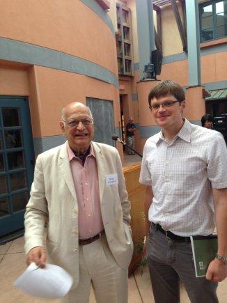Asmeninio archyvo nuotr./Audrius Alkauskas su Cornell universiteto profesoriumi Vinay Ambegaokar  Santa Barbaroje