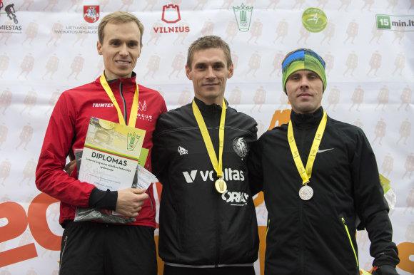 10 km apdovanojimai vyrų kategorijoje. Organizatorių nuotr.