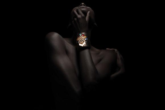 Asmeninio albumo nuotr./Auros Copeland kurta apyrankė