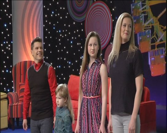 Stop kadras/Deivis ir Rentas Norvilos su vaikais