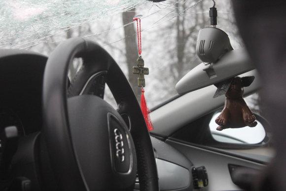 """Tomo Markelevičiaus nuotr./Apgadintas """"Audi"""" automobilis"""