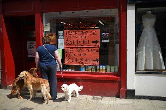 """AFP/""""Scanpix"""" nuotr./Lenkų parduotuvė Šiaurės Anglijoje"""