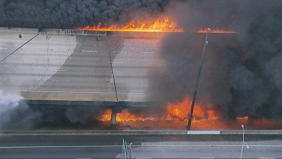 """""""Scanpix""""/""""Sipa USA"""" nuotr./Atlantoje užsiliespnojo ir sugriuvo dalis viaduko"""