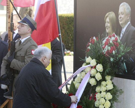 """""""Scanpix""""/AP nuotr./Lenkija mini prezidentinio lėktuvo katastrofos Rusijoje 7-ąsias metines"""