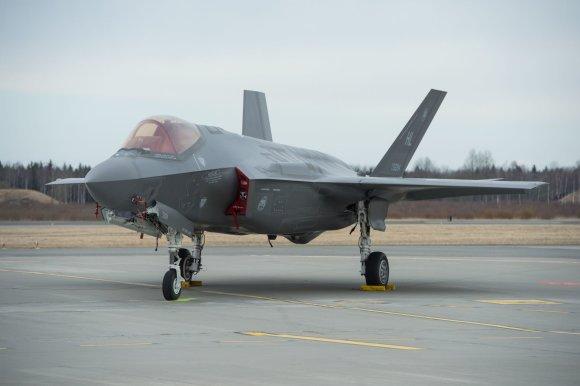 """AFP/""""Scanpix"""" nuotr./Į Estiją atskrido modernūs JAV naikintuvai F-35"""