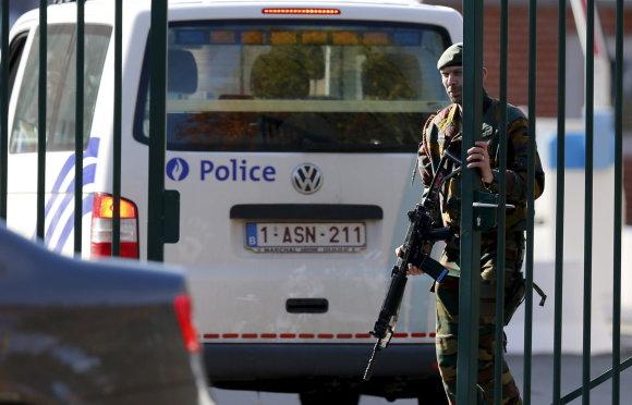 """Reuters""/""Scanpix"" nuotr./Belgijos karys prie barakų"