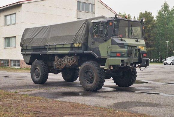 """Vikipedijos nuotr./Suomiška karinė mašina """"Sisu SA-150"""""""