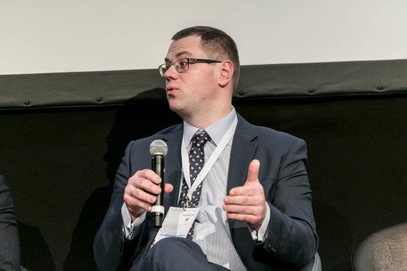 """Artūras Moisiejenko nuotr./Audito ir konsultacijų bendrovės """"Deloitte Lietuva"""" asocijuotas partneris Tomas Davidonis"""