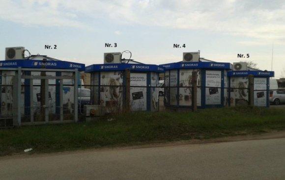 """""""Newsec"""" nuotr./Nenaudojami bankrutavusiobanko """"Snoras"""" kioskai Šiauliuose"""