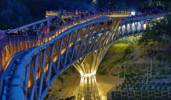arch. Diba Tensile Architecture/Pėsčiųjų tiltas Teherane, Irane