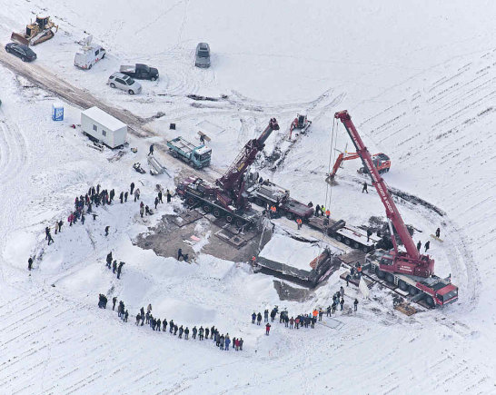 Badeno-Viurtembergo archeologijos tarnybos nuotr./2010 m. gruodį kranais iškeltas 80 tonų svorio Keltenblokas