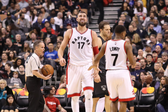 """Raymondo Vysnkiausko nuotr. /NBA rungtynėse tarp """"Toronto Raptors"""" ir """"Brooklyn Nets"""" J.Valančiūnas pelnė 14 taškų."""