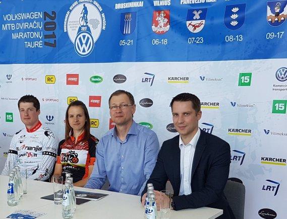 Organizatorių nuotr./A.Daugirdas (antras iš dešinės) žada įdomų renginį.