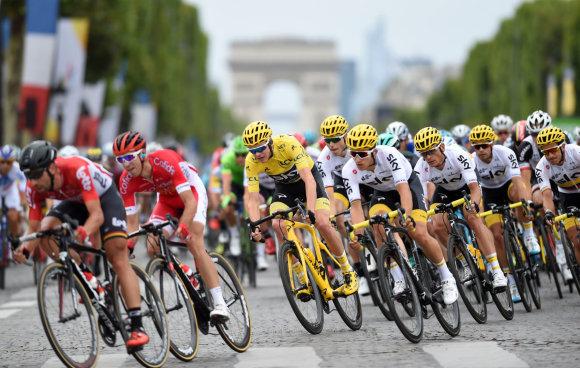 """""""Scanpix"""" nuotr./Chrisas Froome'as triumfavo """"Tour de France"""" dviračių lenktynėse."""