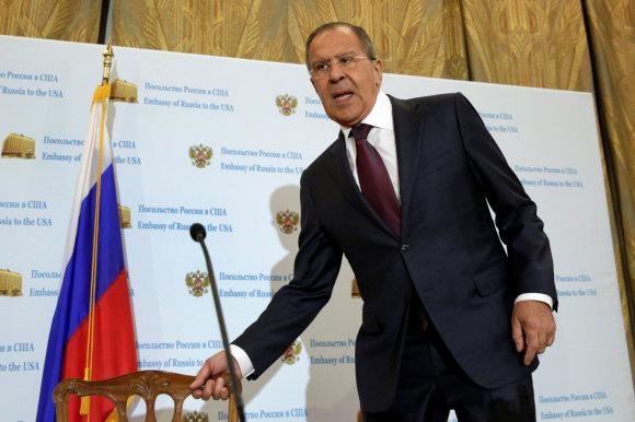 """""""Reuters""""/""""Scanpix"""" nuotr./S.Lavrovas – spaudos konferencijoje Rusijos ambasadoje Vašingtone"""