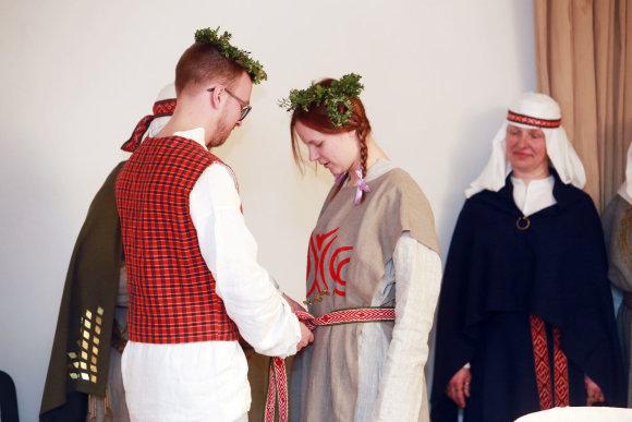 Aliaus Koroliovo/15min nuotr./Archajinių vestuvių ritualas
