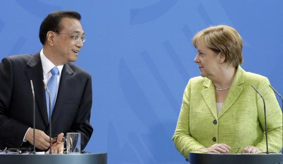 TT NYHETSBYRÅN/Li Keqiangas ir Angela Merkel