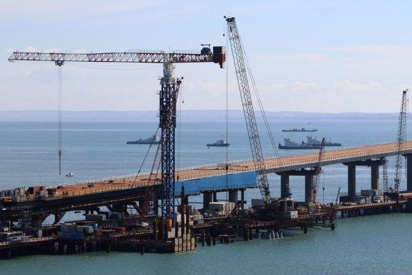 """""""Sputnik"""" nuotr./Tilto, sujungsiančio Krymą su Rusija, statybos"""