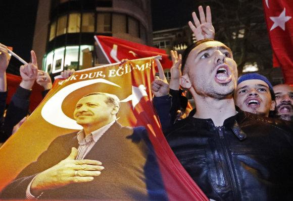 """Reuters""/""Scanpix"" nuotr./Demonstrantai Nyderlanduose"