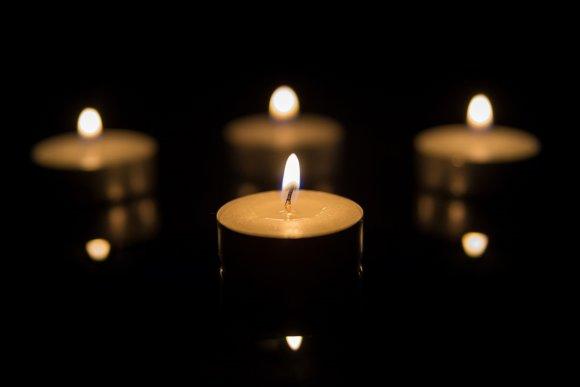 123rf.com nuotr./Laidotuvių žvakės