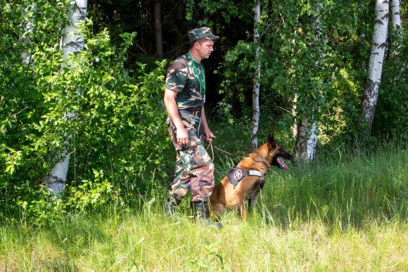 Vidmanto Balkūno / 15min nuotr./Kinologas ir jo nušautas tarnybinis šuo Ramzis