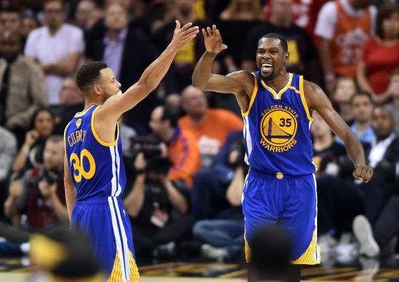 USA Today Sports/Stephenas Curry ir Kevinas Durantas