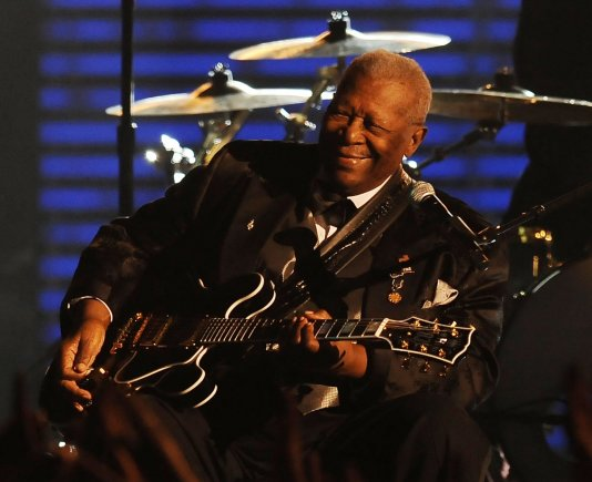 "AFP/""Scanpix"" nuotr./B.B.Kingas ""Grammy"" apdovanojimų ceremonijoje (2009 m.)"