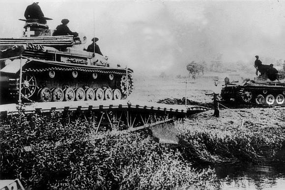 """AFP/""""Scanpix"""" nuotr./Vokiečių tankai Lenkijoje 1939 metų rugsėjį"""